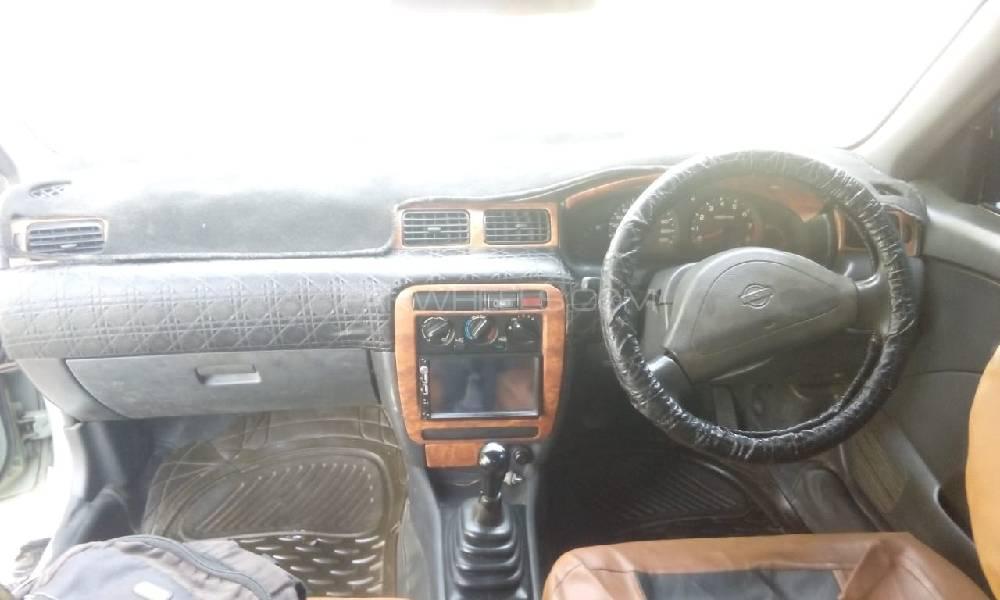 Nissan Sunny Super Saloon 1.6 2000 Image-1