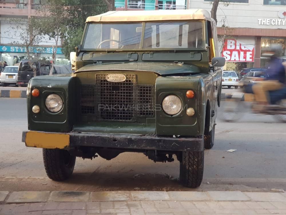 Land Rover Defender 90 SW 1970 Image-1