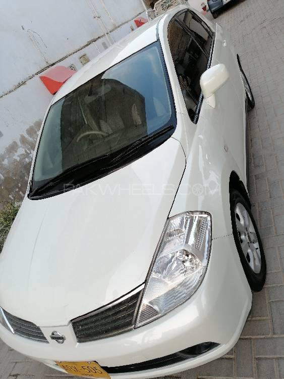 Nissan Tiida 2009 Image-1