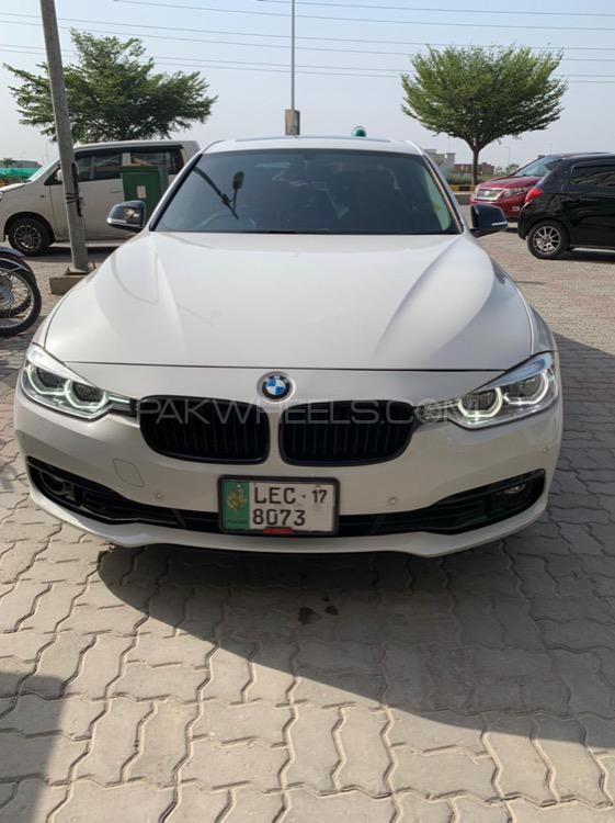 BMW / بی ایم ڈبلیو 3 سیریز 318i 2017 Image-1