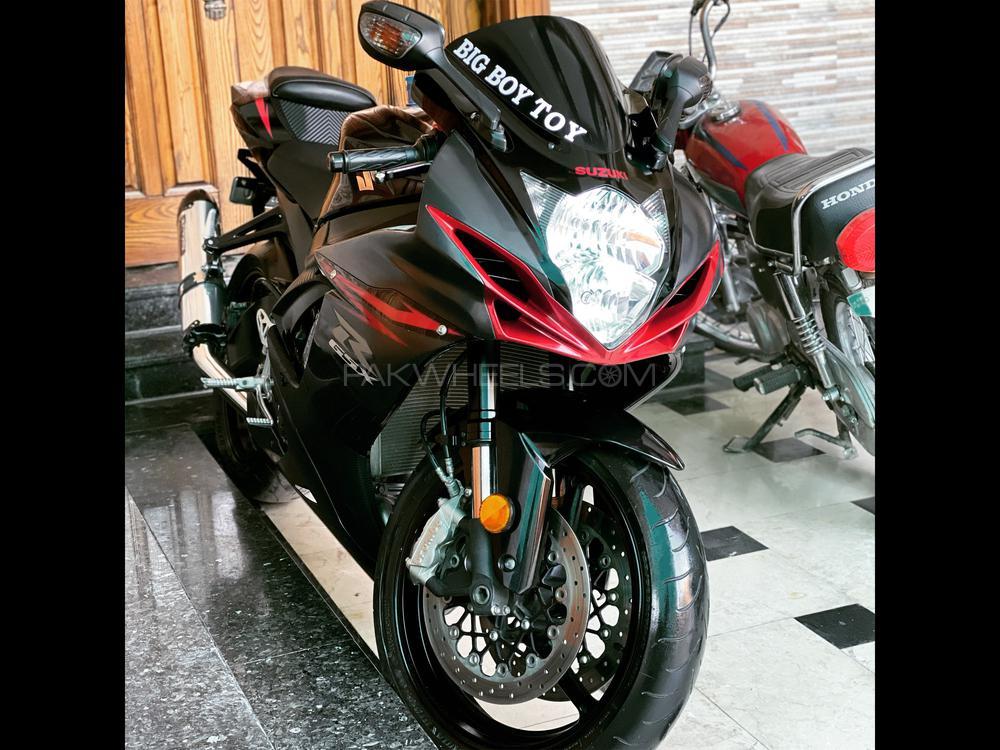 سوزوکی GSX-R600 2012 Image-1