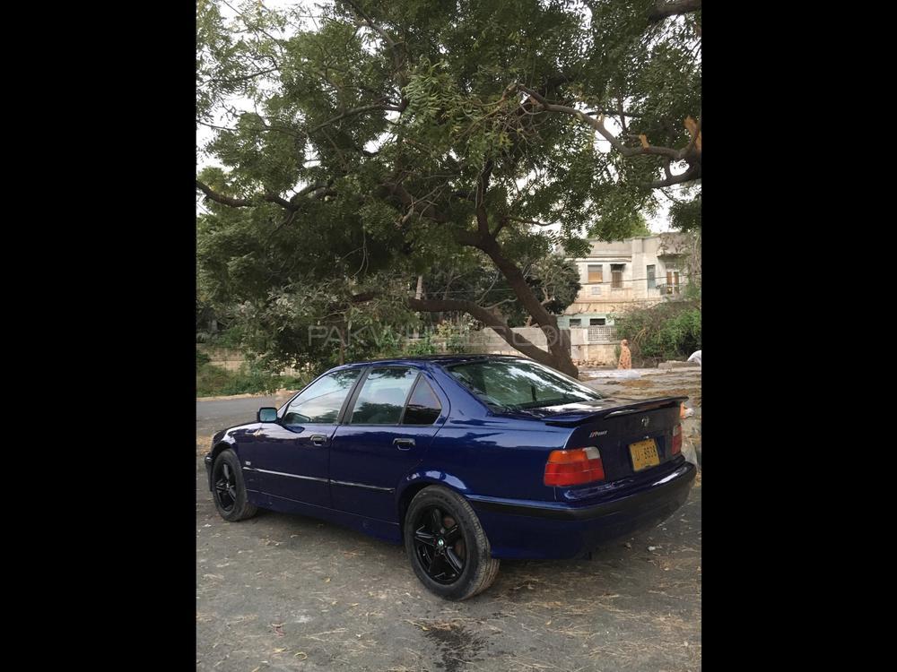 BMW 3 Series 325i 1992 Image-1