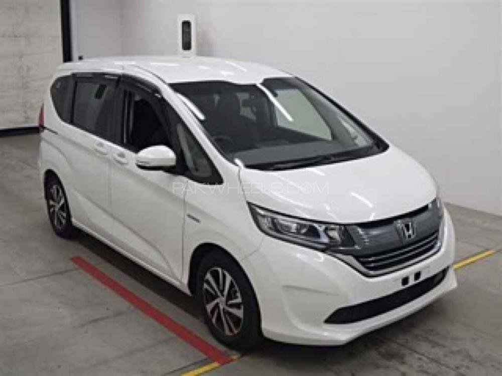 Honda Freed Hybrid 2016 Image-1