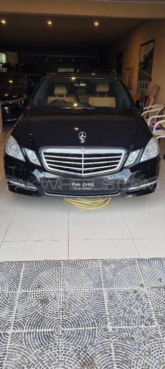 Mercedes Benz E Class E250 Avantgarde 2011 Image-1