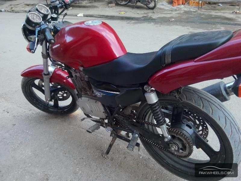 Used Suzuki GS 150 2013 Bike for sale in Peshawar - 122885 ...