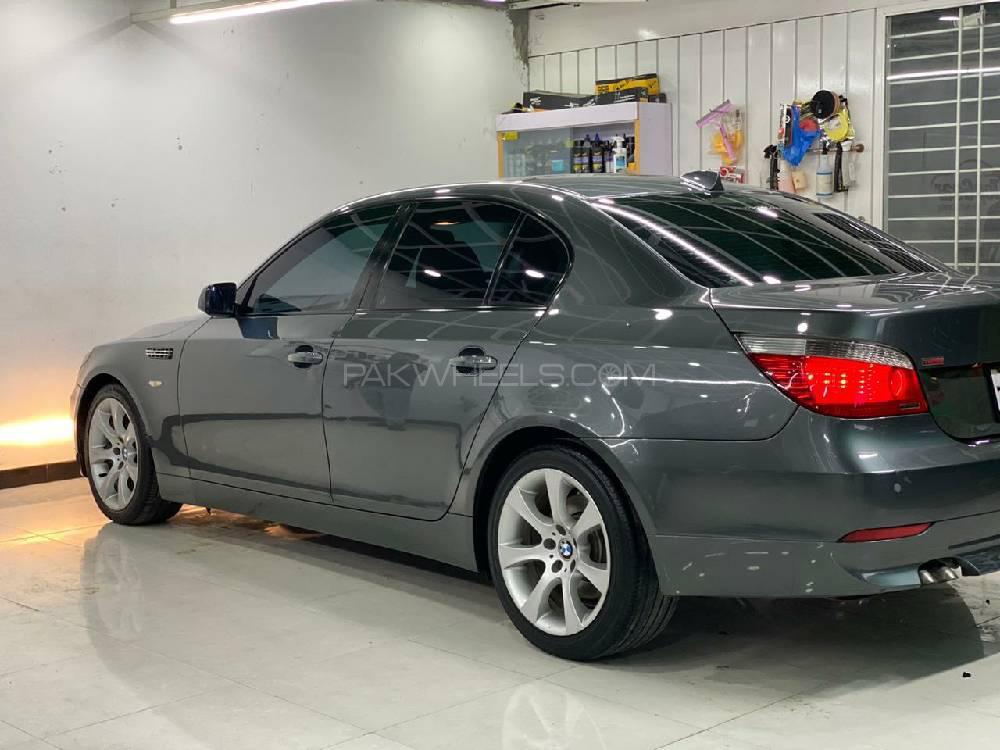BMW 5 Series 530d 2004 Image-1