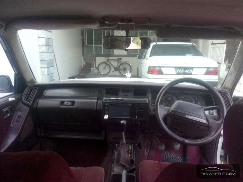 Toyota Crown Royal Saloon 1988 Image-4