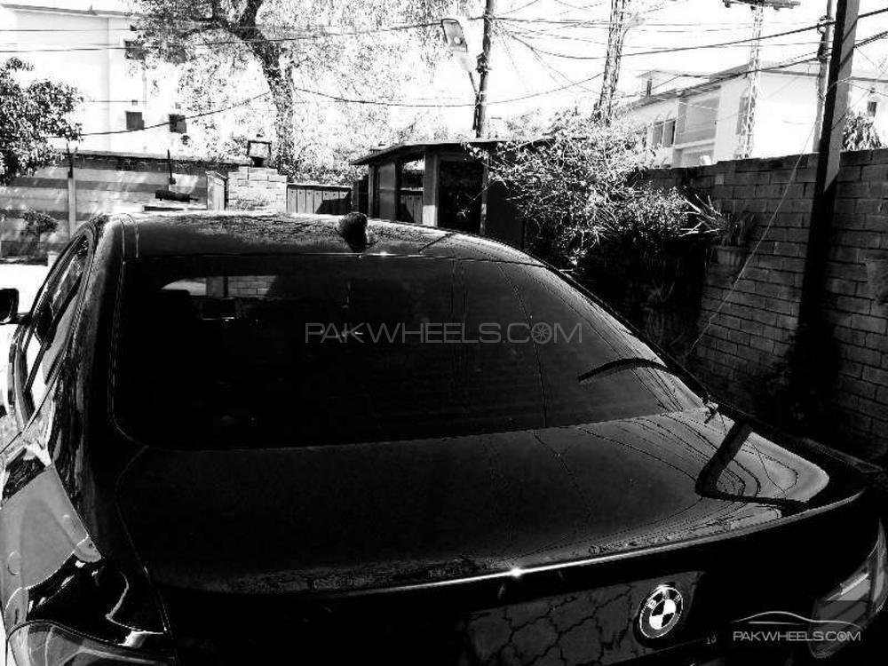 BMW 3 Series 318i 2013 Image-1