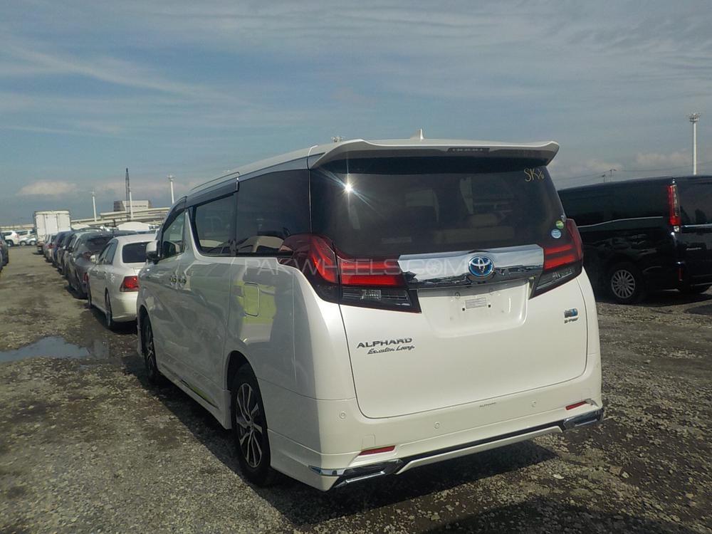 Toyota Alphard Hybrid G 2016 Image-1