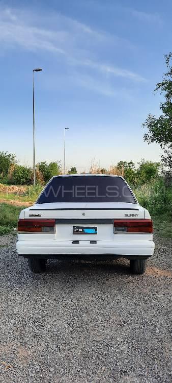 Nissan Sunny Super Saloon 1.6 1987 Image-1