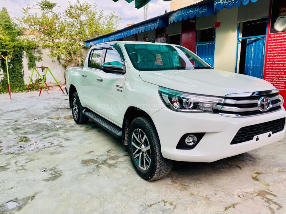 Toyota Hilux 2021 Image-1