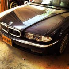 Slide_bmw-7-series-2000-5147333