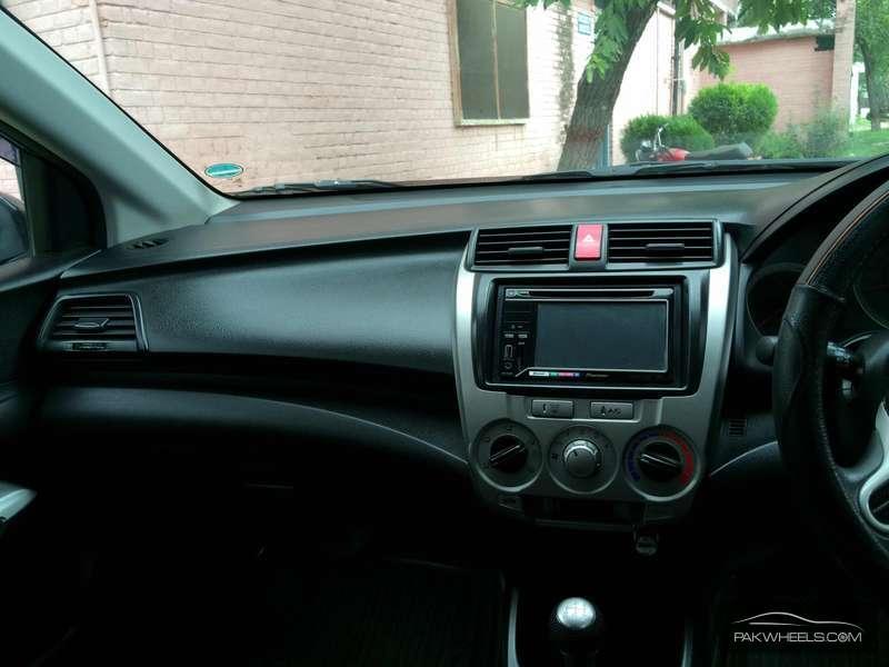 Honda City i-VTEC 2010 Image-4