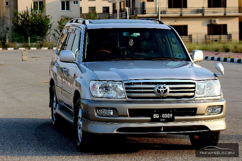 Toyota Land Cruiser on Toyota Engine Ad