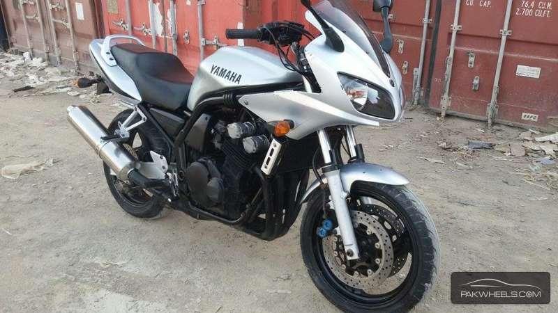 Used Yamaha FZ6 2003 Bike for sale in Multan - 127318 | PakWheels