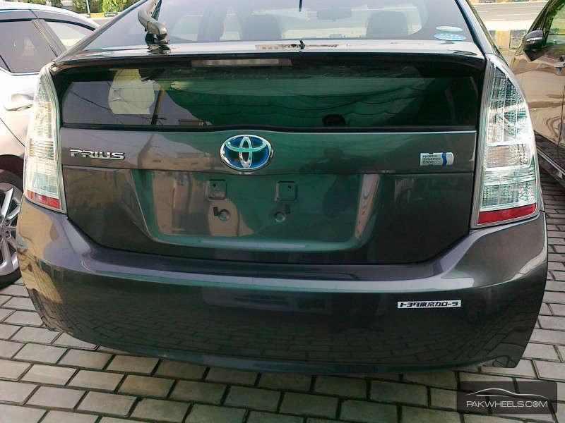 Toyota Prius S LED Edition 1.8 2011 Image-5