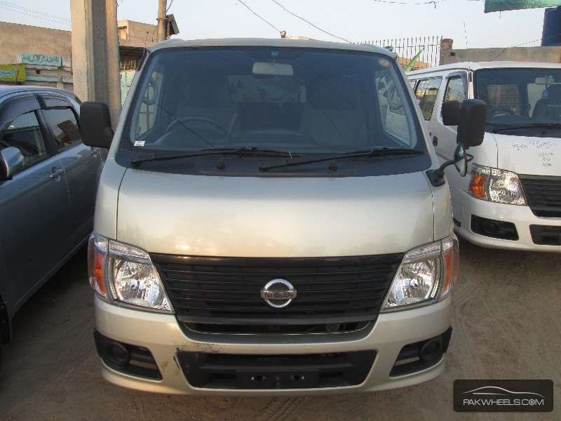 Nissan Caravan 2009 Image-1