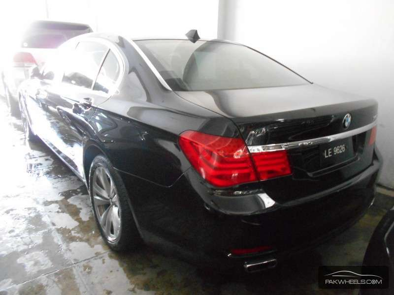 bmw 7 series 740li 2010 for sale in lahore pakwheels. Black Bedroom Furniture Sets. Home Design Ideas