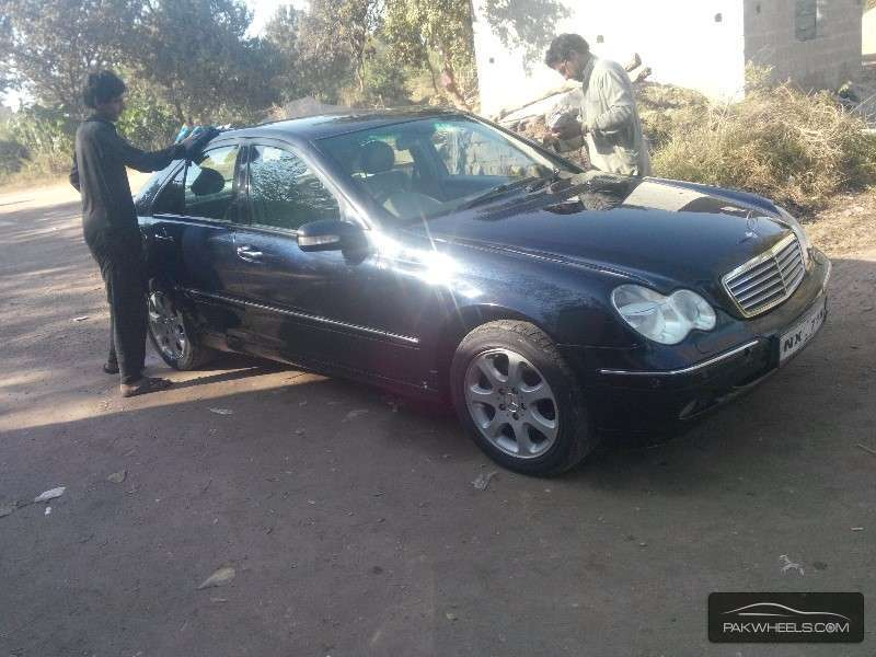 mercedes benz c class c220 cdi 2002 for sale in islamabad pakwheels. Black Bedroom Furniture Sets. Home Design Ideas