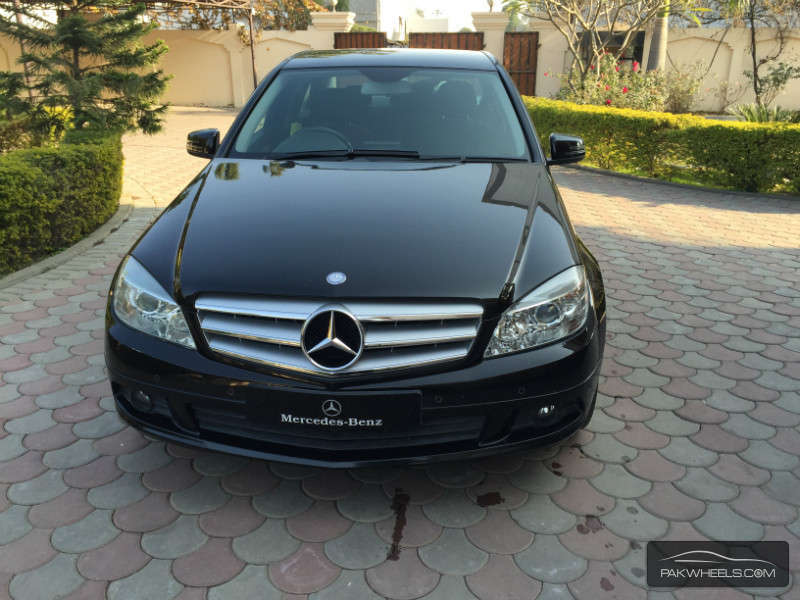 Mercedes benz c class c180 kompressor 2010 for sale in for Mercedes benz 2010 c class