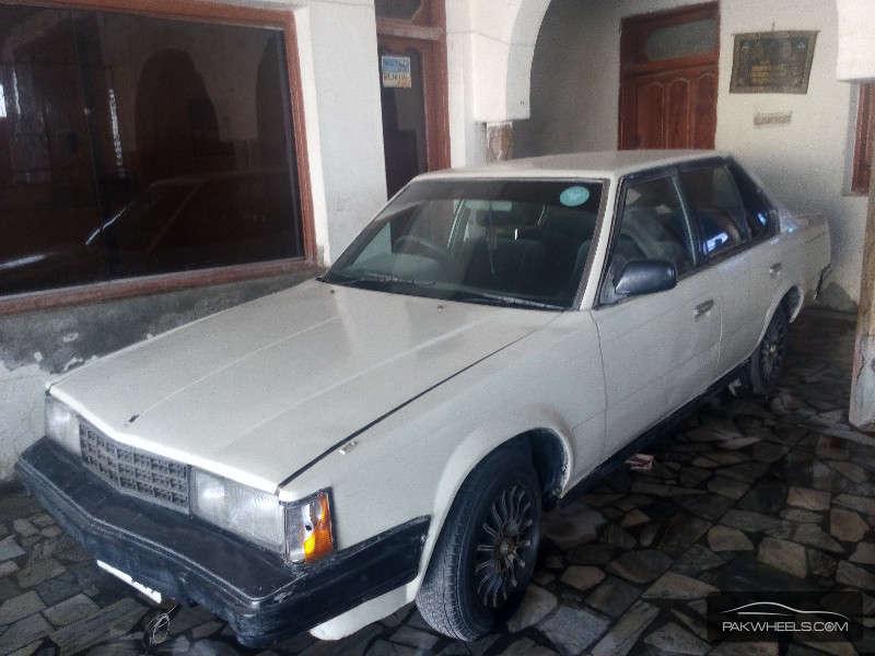 Toyota Corona 1983 Image-2