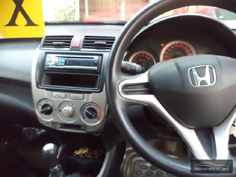 Honda City i-VTEC 2010 Image-6