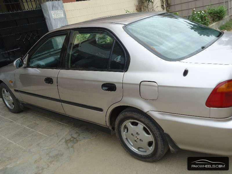 used honda civic vti oriel ug 2003 car for sale in karachi 1062395 pakwheels. Black Bedroom Furniture Sets. Home Design Ideas