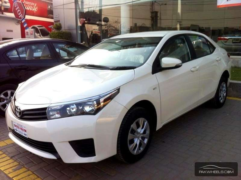 Toyota Corolla Gli 1 3 2015 For Sale In Lahore Pakwheels