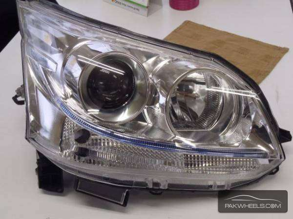daihatsu move custom 2012 right head light Image-1