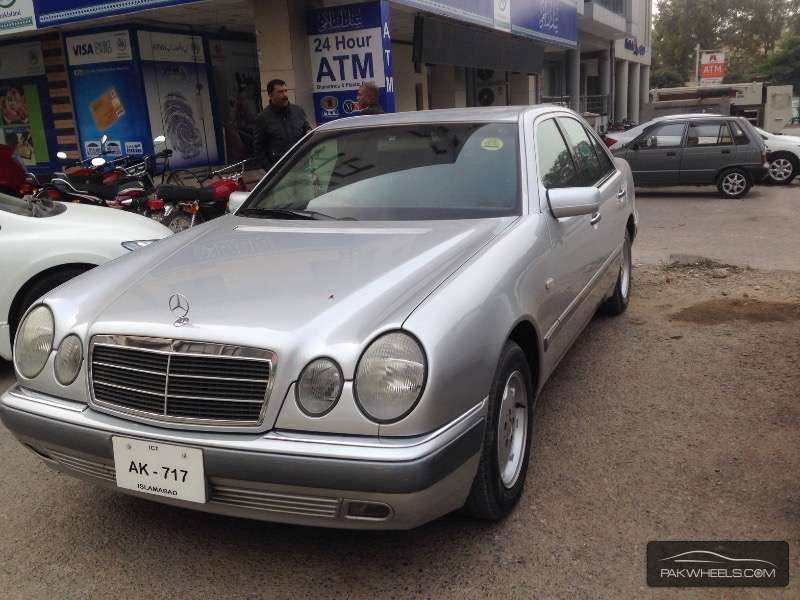 Used mercedes benz e class e 230 1997 car for sale in for 1997 mercedes benz e class