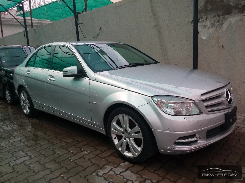 mercedes benz c class c200 2010 for sale in lahore pakwheels. Black Bedroom Furniture Sets. Home Design Ideas