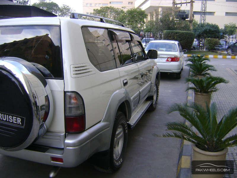 Toyota Prado 2001 Image-7