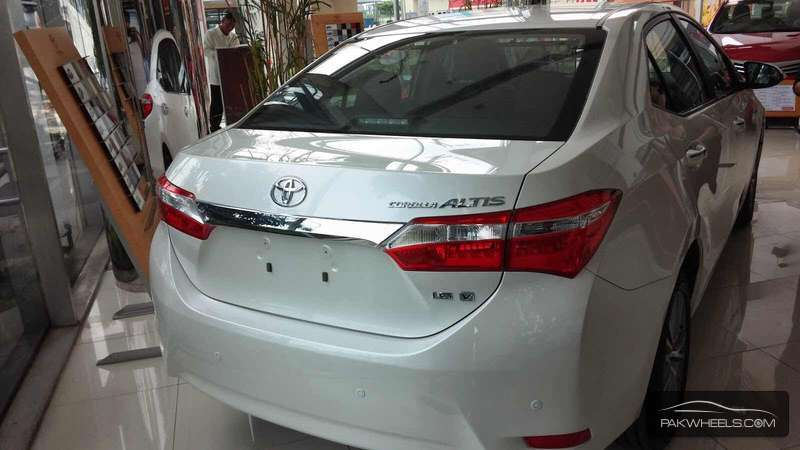 Toyota Corolla Altis Automatic 1 6 2015 For Sale In Rahim