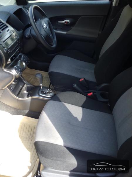 Toyota IST 2010 Image-4
