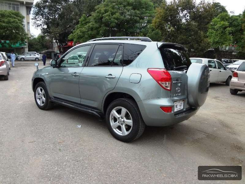used toyota rav4 2 4l automatic 2006 car for sale in islamabad 1117285 pakwheels. Black Bedroom Furniture Sets. Home Design Ideas