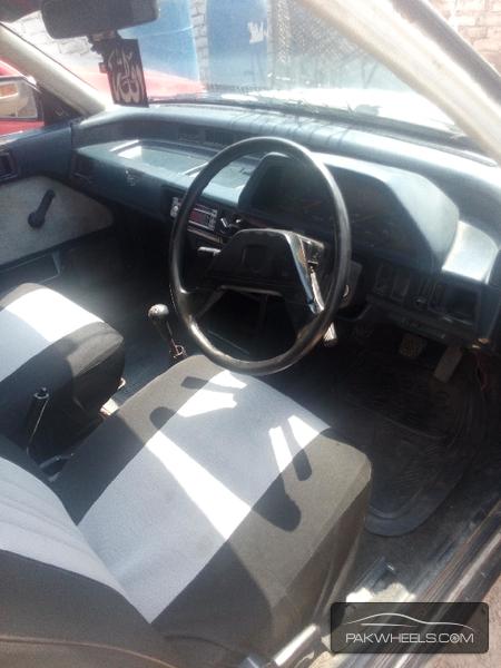 Honda Civic 1987 Image-5