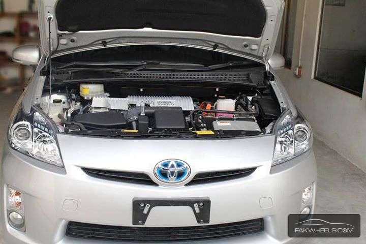 Toyota Prius S 1.8 2011 Image-7
