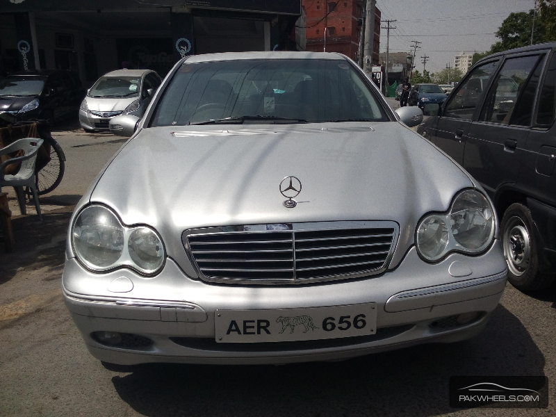 used mercedes benz e class e 240 2000 car for sale in lahore 1128815 pakwheels. Black Bedroom Furniture Sets. Home Design Ideas