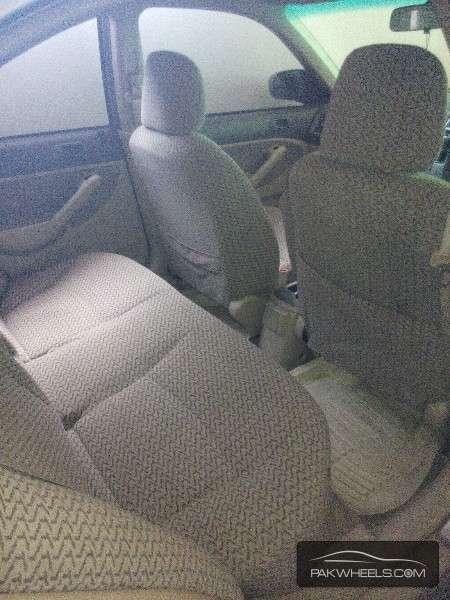 Honda Civic VTi 1.6 2005 Image-5