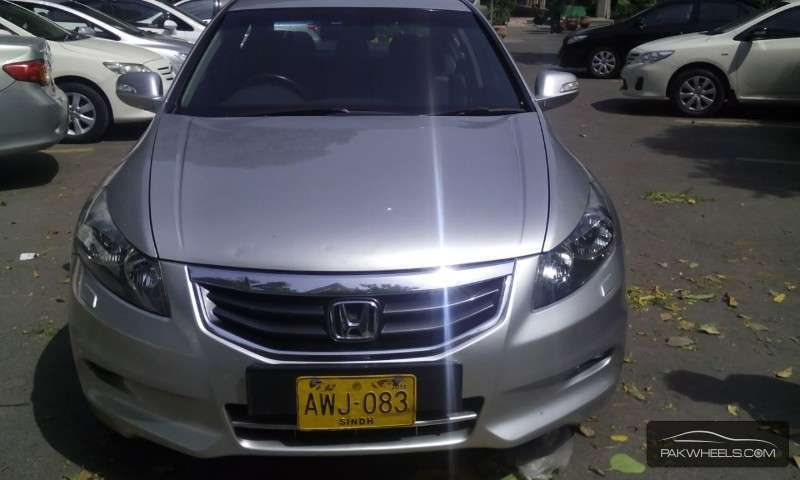 Honda Accord VTi 2.4 2011 Image-1