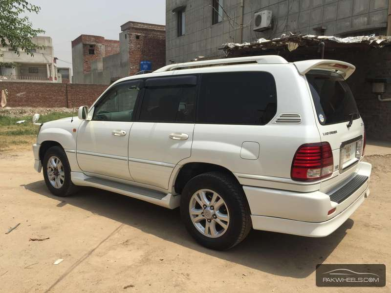used toyota land cruiser 2005 car for sale in lahore 1141778 pakwheels. Black Bedroom Furniture Sets. Home Design Ideas