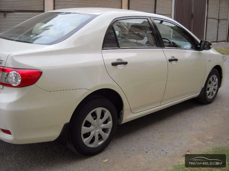 used toyota corolla xli vvti 2012 car for sale in lahore 1145428 pakwheels. Black Bedroom Furniture Sets. Home Design Ideas