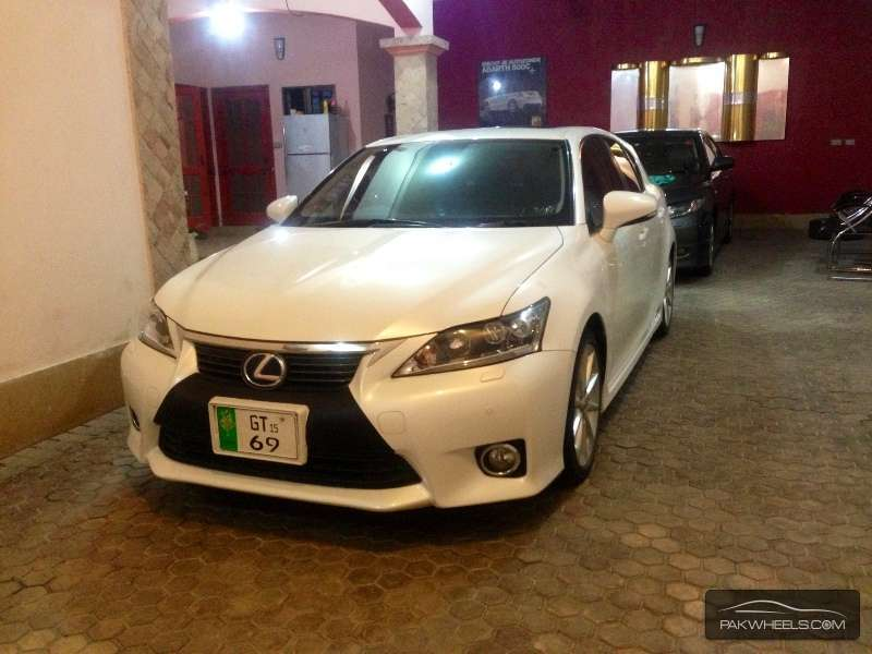 used lexus ct 200h 2011 car for sale in gujrat 1153686