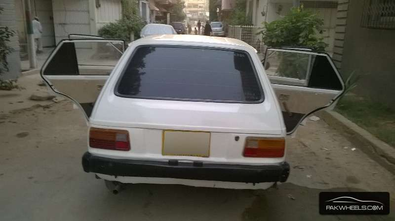 Toyota Starlet 84 For Sale In Karachi: Toyota Starlet 1981 For Sale In Karachi