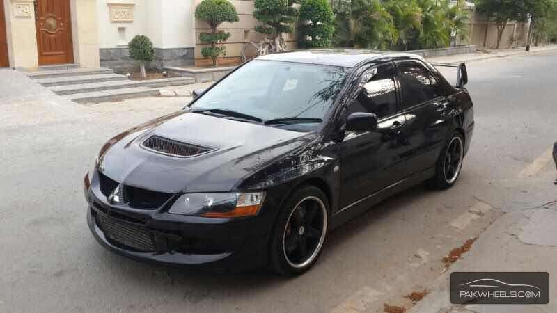 mitsubishi lancer evolution 2003 for sale in karachi. Black Bedroom Furniture Sets. Home Design Ideas