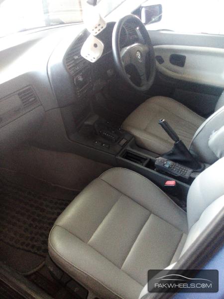 BMW 3 Series 318i 1997 Image-6