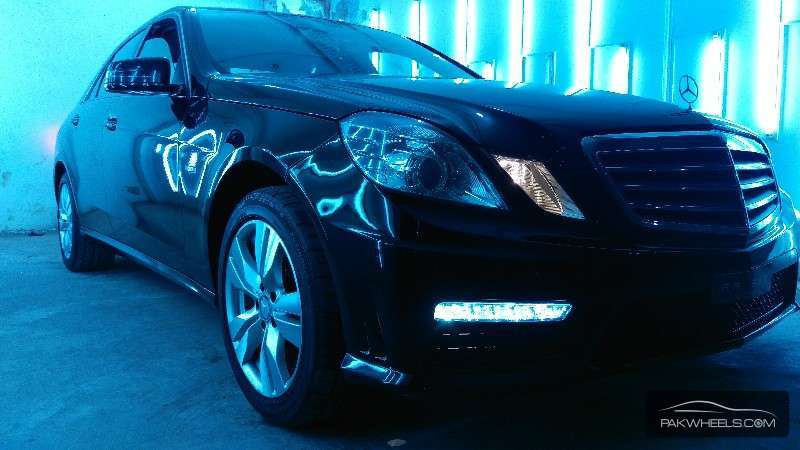 used mercedes benz e class e200 2009 car for sale in pakwheels. Black Bedroom Furniture Sets. Home Design Ideas