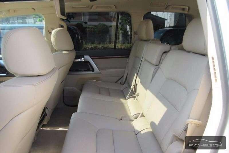 Toyota Land Cruiser ZX 2013 Image-7