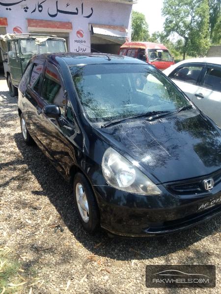 Honda Fit 2002 Image-2