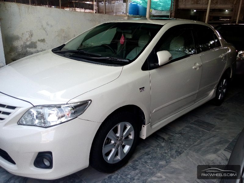 Toyota Corolla Altis 1.6 2013 Image-2